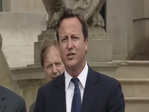 vídeos de stock, filmes e b-roll de prime minister david cameron responds to the archbishop of caterbury's criticisms of his 'big society' - anglicano