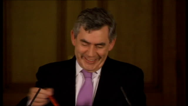 prime minister gordon brown gives monthly press conference; question sot - can you be more specific about why it is that you are not in favour of an... - doing a favour stock videos & royalty-free footage
