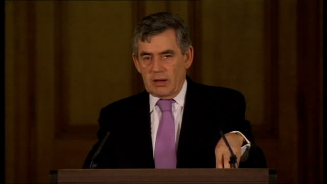 vídeos de stock, filmes e b-roll de prime minister gordon brown gives monthly press conference question sot do you have any view on barack obama's statement brown answer sot i have... - self discipline