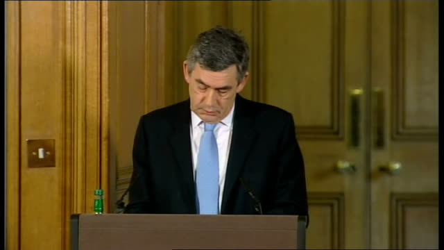 vídeos de stock e filmes b-roll de prime minister gordon brown holds monthly press conference; question - morality of withdrawing british troops from basra brown press conference sot -... - cargo governamental