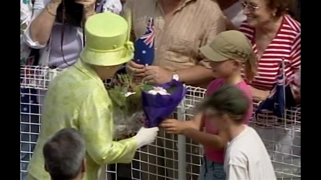 Prime minister in favour of republic after death of Queen T13030629 New South Wales Sydney Back view of Queen Elizabeth greeting Australians and...