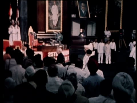 prime minister indira gandhi enters parliament then makes speech on 25th anniversary of indian independence aug 72 - indira gandhi stock videos & royalty-free footage