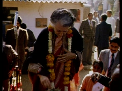 prime minister indira gandhi receives garlands and food gifts from supporters on her election india jan 80 - indira gandhi stock videos & royalty-free footage