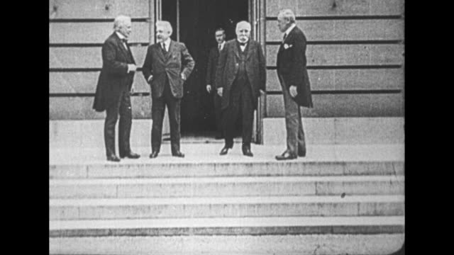prime minister of the uk david lloyd george italian prime minister vittorio orlando french prime minister georges clemenceau and us president woodrow... - 1910 1919 video stock e b–roll