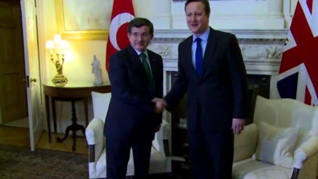 prime minister of turkey ahmet davutoglu meets with his uk counterpart david cameron in london, united kingdom on 20 january,2015. - primo ministro turco video stock e b–roll
