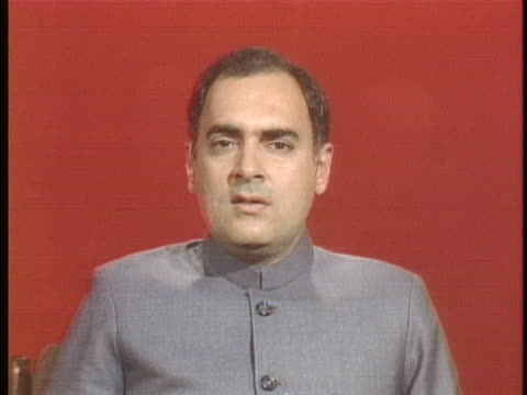 of prime minister rajiv ratna gandhi discusses nuclear proliferation with a positive outlook for the future and the generation that will inhabit it.... - indischer subkontinent abstammung stock-videos und b-roll-filmmaterial