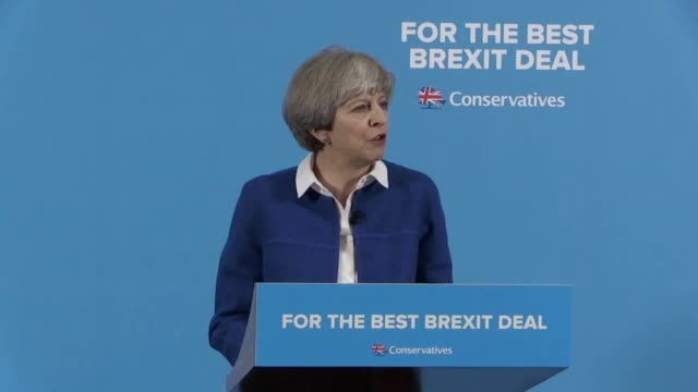 vídeos y material grabado en eventos de stock de prime minister theresa may campaigns at grand station in wolverhampton ahead of the general election. she makes a joke about jeremy corbyn/paxman,... - jeremy paxman