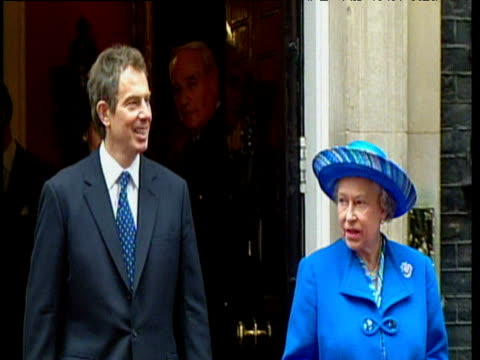 prime minister tony blair and queen elizabeth ii leave downing street with cherie blair and prince phillip following behind 20 nov 97 - tony blair stock-videos und b-roll-filmmaterial