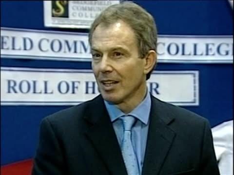 prime minister tony blair talking to press about fighting terrorism sedgefield nov 03 - イングランド カウンティ・ダラム点の映像素材/bロール