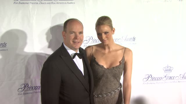 hsh prince albert ii of monaco and charlene wittstock at the 2009 princess grace awards gala at new york ny - monaco stock-videos und b-roll-filmmaterial