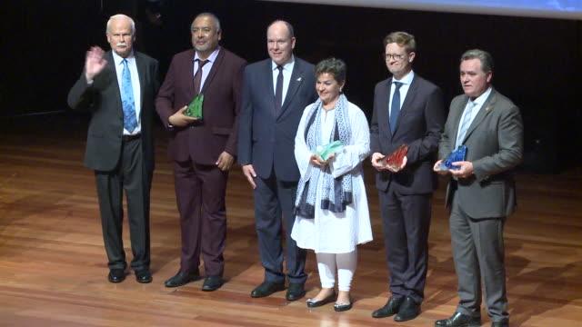 vídeos de stock, filmes e b-roll de prince albert ii of monaco delivers the awards for environment protection in madrid - príncipe alberto ii de mônaco