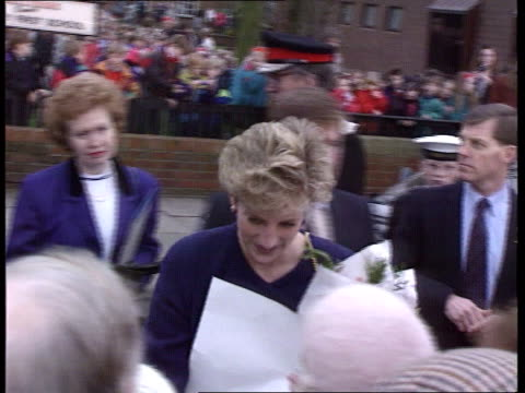 stockvideo's en b-roll-footage met prince and princess of wales have separated; prince and princess of wales have separated; diana smiling and shaking hands with people in crowd... - media interview