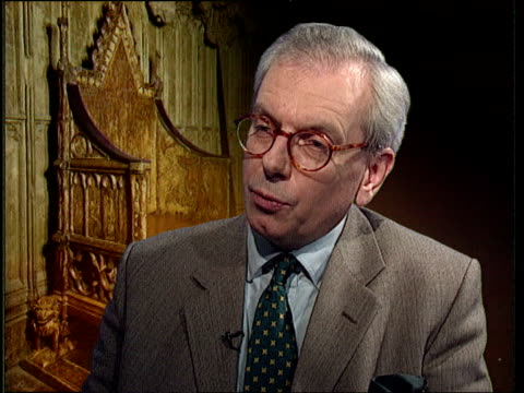 stockvideo's en b-roll-footage met prince and princess of wales' marriage; itn england: london: int cms dr david starkey intvw sot: - monarchy froze itself in 1950s in time warp /... - beeldmanipulatie