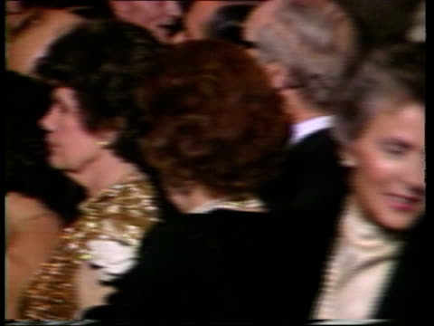 prince and princess of wales official visit day 5 usa washington national gallery int tms two ushers asking guests to move back before arrive of... - 1985 bildbanksvideor och videomaterial från bakom kulisserna