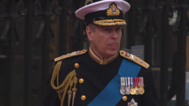 prince andrew duke of york arrives at westminster abbey at the royal wedding arrivals westminster abbey a roll at london england - ヨーク公 アンドルー王子点の映像素材/bロール