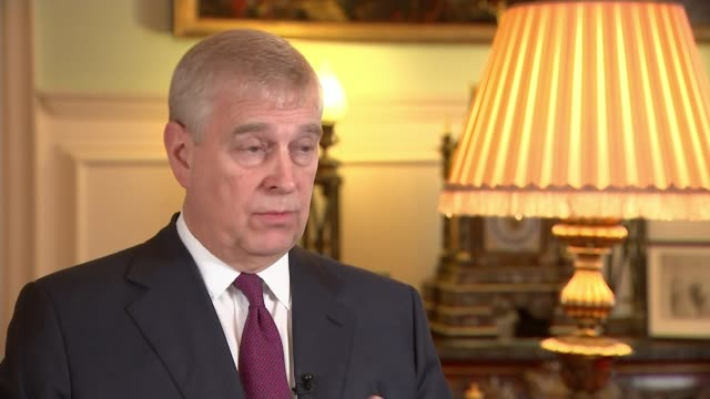 prince andrew hosts 'pitch@palace' business event for entrepreneurs uk london st james' palace prince andrew duke of york hosts 'pitch at palace'... - palace stock-videos und b-roll-filmmaterial