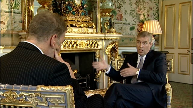 prince andrew's trade role in doubt following unsuitable friendship / sarah ferguson admission; r14021002 london: buckingham palace: int prince... - サラ ファーガソン点の映像素材/bロール