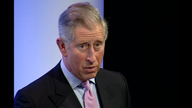 prince charles addresses climate conference; england: london: int prince charles, prince of wales, speech sot - i've been interested to learn that... - seguire attività che richiede movimento video stock e b–roll