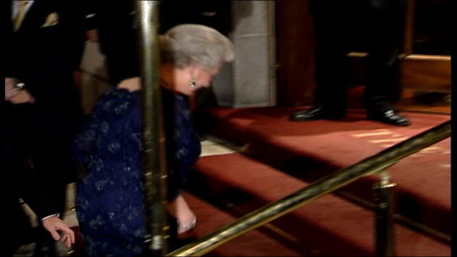 vídeos de stock, filmes e b-roll de prince charles allegations/queens party england london photography **** queen elizabeth ii greeted on arrival at the ritz hotel for private party to... - ritz carlton hotel