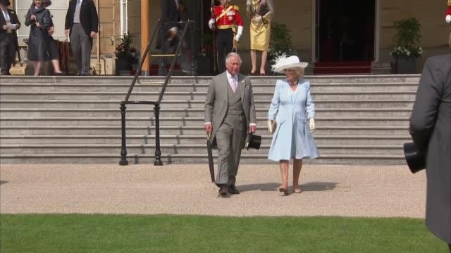 prince charles and camilla host garden party at buckingham palace england london buckingham palace ext prince charles prince of wales camilla duchess... - コーンウォール公爵夫人 カミラ点の映像素材/bロール