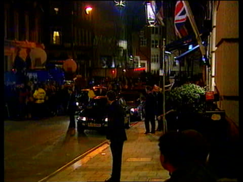 vídeos de stock, filmes e b-roll de prince charles and camilla parker bowles first public appearance itn london ritz hotel gvs press others outside hotel as flashguns go off prince... - ritz carlton hotel