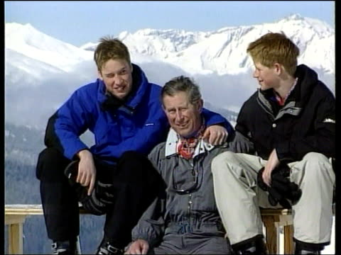 skiing holiday itn prince charles posing with sons - vacanza sulla neve video stock e b–roll