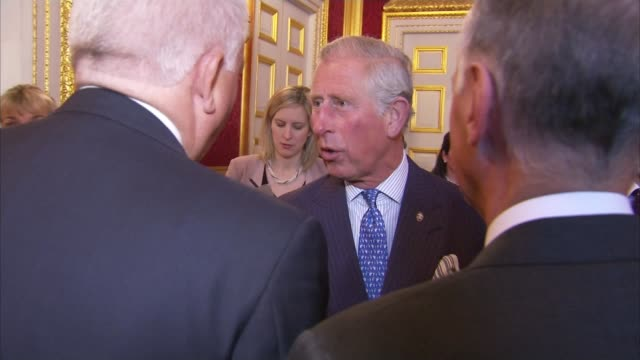 prince charles and the queen routinely see copies of secret cabinet documents; lib / 13.5.2015 st james's palace: various of prince charles at... - privatsphäre stock-videos und b-roll-filmmaterial