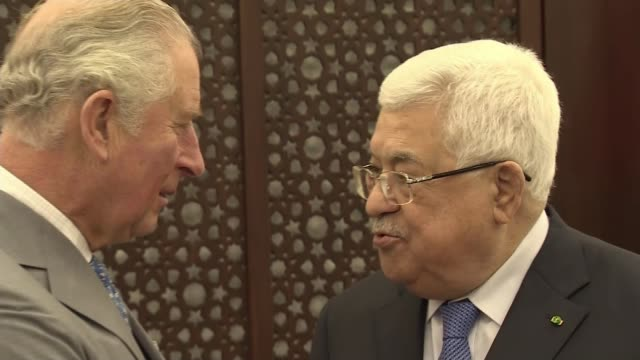 prince charles delivers message of support for palestinian people palestine west bank bethlehem int prince charles prince of wales shaking hands with... - israel palestine conflict stock videos & royalty-free footage