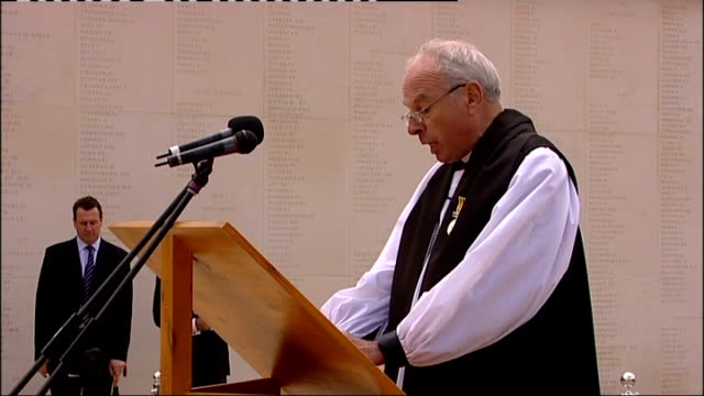 prince charles lays first wreath at the national memorial arboretum * * military band music heard during the following shots sot * * clergy band... - 花輪を捧げる点の映像素材/bロール