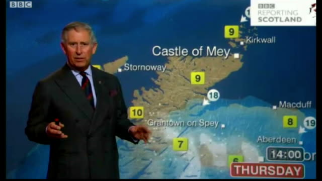 vidéos et rushes de prince charles presents television weather forecast; scotland: glasgow: bbc scotland: int various shots of prince charles presenting bbc television... - bbc