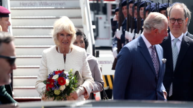 prince charles prince of wales and camilla duchess of cornwall arrive at airport tegel on may 07 2019 in berlin germany on may 7 2019 in berlin... - コーンウォール公爵夫人 カミラ点の映像素材/bロール