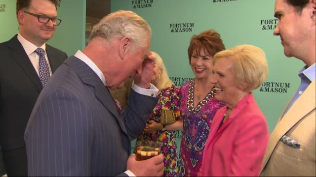 prince charles receives award at the fortnum and mason food and drink awards; england: london: piccadilly: fortnum and mason: prince charles meeting... - ジュディ・デンチ点の映像素材/bロール