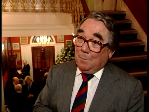 twickenham brinsworth house ronnie corbett interview sot we were all warned off treasure island jokes/ jim davidson didn't heed the warning as usual... - ronnie corbett stock videos & royalty-free footage