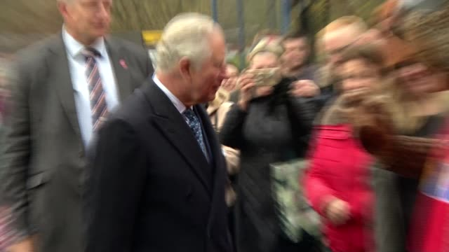 prince charles visits manchester and wigan charles visits toffee works wigan england greater manchester wigan toffee works photography*** prince... - karamell stock-videos und b-roll-filmmaterial