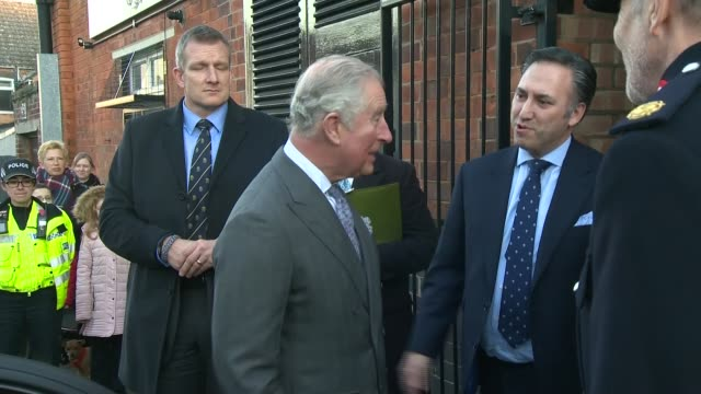 prince charles visits shoemakers gaziano and girling signs visitors book and presented with pair of shoes england northamptonshire kettering... - privatfahrzeug stock-videos und b-roll-filmmaterial