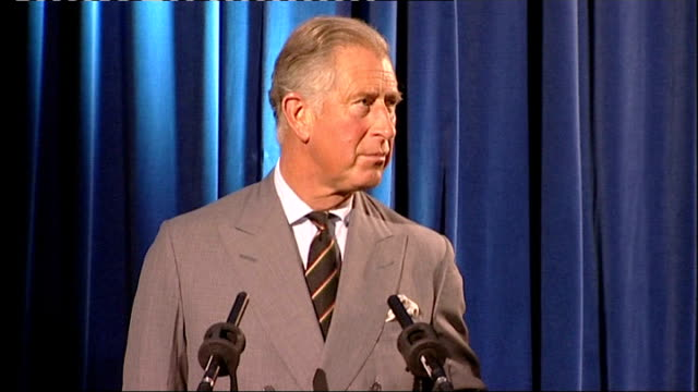 vidéos et rushes de prince charles visits thinktank birmingham science museum; prince charles speech sot - outlines start initiative, efforts to raise awareness of... - museum