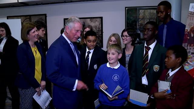 prince charles vists royal drawing school; england: london: shoreditch: royal drawing school: int **beware flash photography** prince charles, prince... - boys beware点の映像素材/bロール