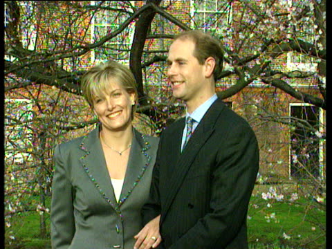 prince edward and sophie rhys jones kiss for assembled press at st james' palace engagement of prince edward; 06 jan 99 - sophie rhys jones, countess of wessex stock videos & royalty-free footage