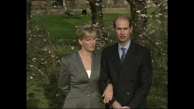 prince edward and sophie rhys-jones engagement photocall; england: london: st james's palace: ext prince edward and sophie rhys-jones pose as answer... - earl of wessex stock videos & royalty-free footage