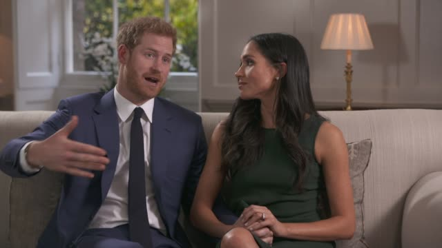 vídeos y material grabado en eventos de stock de prince harry and meghan markle engagement interview prince harry and meghan markle interview continued sot but in the case of your relationship... - propuesta