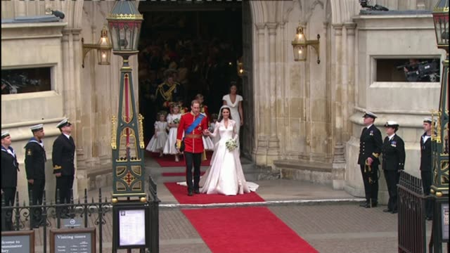 prince harry and meghan markle engagement wedding plans 2942011 prince william and duchess of cambridge from church on wedding day - prinz william herzog von cambridge stock-videos und b-roll-filmmaterial