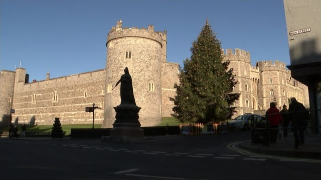 Prince Harry and Meghan Markle engagement wedding plans ENGLAND Berkshire Windsor EXT Windsor Castle with Christmas tree outside Entrance to castle...