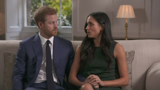 vídeos y material grabado en eventos de stock de continuing doubt over the attendance of her father thomas markle lib / england london kensington palace int prince harry and meghan markle interview... - propuesta