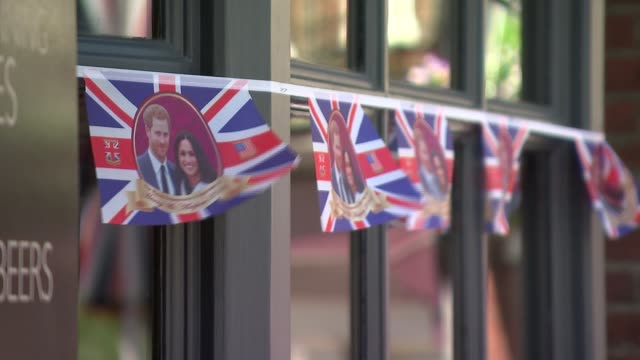 continuing doubt over the attendance of her father thomas markle england berkshire windsor ext various shots of royal wedding bunting close shot of... - verlobung stock-videos und b-roll-filmmaterial