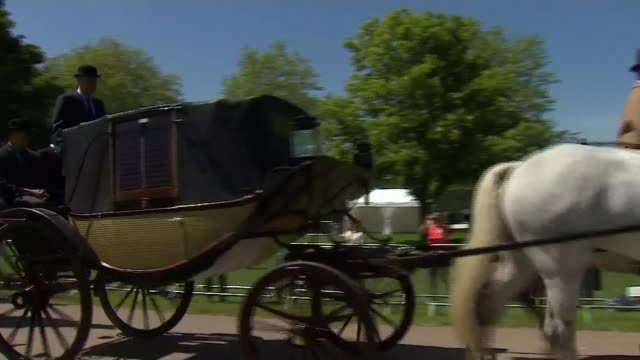 vidéos et rushes de full dress rehearsal / meghan markle confirms her father will not attend windsor windsor great park ext horse drawn carriage along the long walk... - voiture attelée
