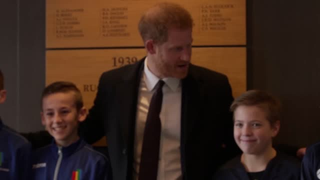 vídeos de stock e filmes b-roll de prince harry arrived at twickenham stadium to watch england versus france in the six nations harry met players from the youth teams who will play... - duke of sussex