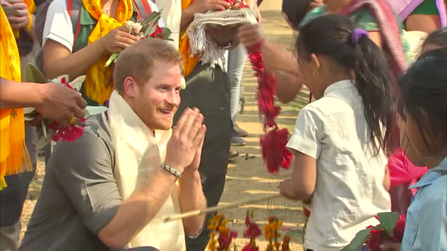 prince harry has spent the night in the hills of nepal after being crowned the head of a village. the women of leurani lined a hilltop path to... - nepal stock videos & royalty-free footage