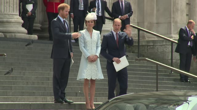 prince harry prince william catherine duchess of cambridge on june 10 2016 in london england - prinz william herzog von cambridge stock-videos und b-roll-filmmaterial