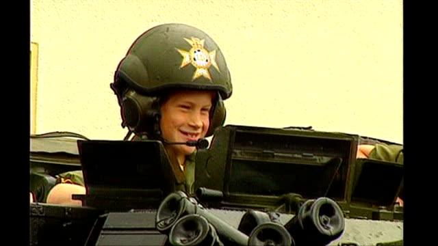 vídeos y material grabado en eventos de stock de prince harry to serve in iraq tx bergenhohne young prince harry sitting in tank to - 1993
