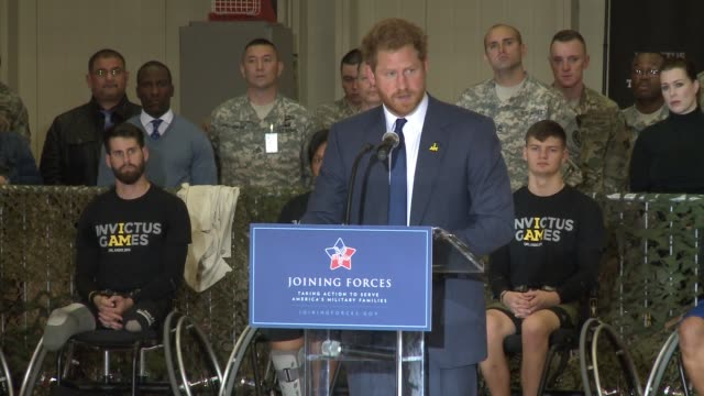 stockvideo's en b-roll-footage met prince harry visits fort belvoir virginia to launch the american edition of the invictus games for wounded warriors with first lady michele obama and... - first line of defense filmtitel